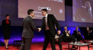 RickSalmon_receives_award_mini